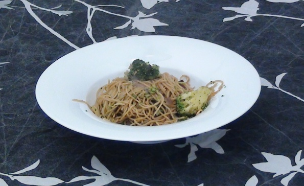 broccoli with noodles