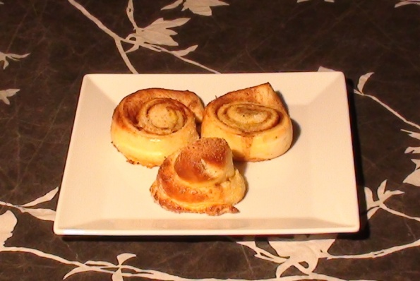 Swedish cinnamon buns (Kanelbullar)
